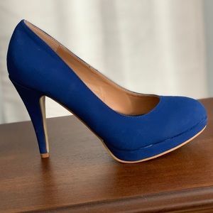Journee Collection pumps size 9